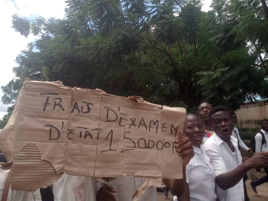 Enseignement- Haut-Katanga  : Hausse des frais de participation aux Examens d'Etat, les éleves montent au creneau.