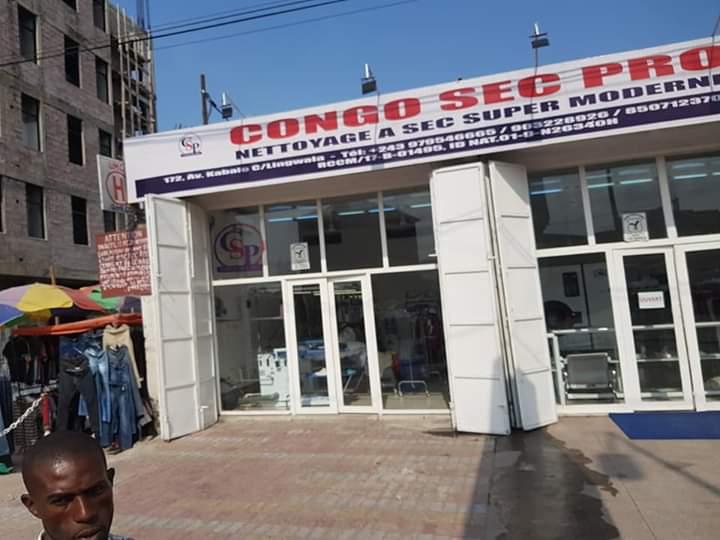 Société-Kinshasa : Congo Sec Pro, un pressing aux prix imbattables.