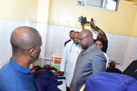 Felix TSHISEKEDI au chevet des policiers blessés lors du retour de Jean-Pierre MBEMBA.