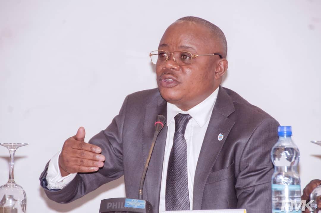 9ème Congrès de la SCOGO-Kinshasa 2019: Les pistes de réduction des accouchements dangereux chez les femmes en milieu peu nanti proposées par Prof. Dr Félix MOMAT KITENGE_