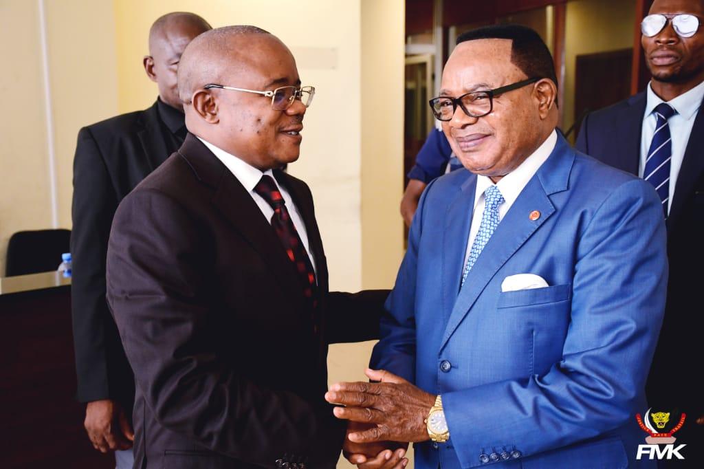 Ministère du budget : Félix Vundwawe et Félix Momat échangent autour du projet de la construction du siège du Conseil d'Etat.