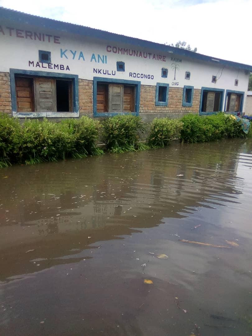 Haut-Lomami : Le Centre de Santé Radem de Malemba Nkulu inondé par les eaux.