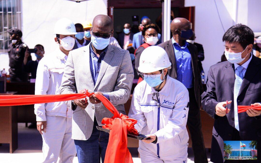 Haut-Katanga/Kambove : Jacques Kyabula Katwe inaugure un répartiteur centre d'énergie électrique.
