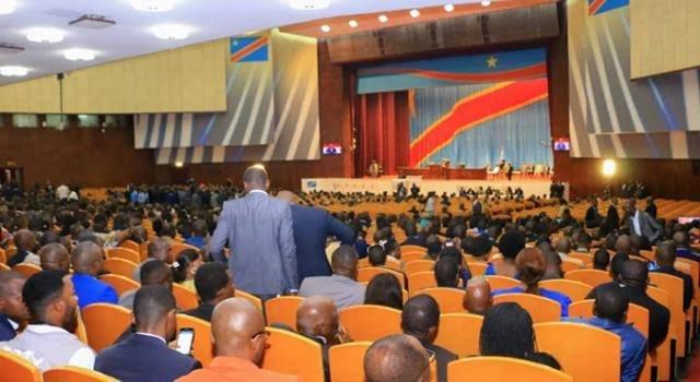Lutte contre Coronavirus : L'assemblée nationale adopte la prorogation de l'état d'urgence pour la 3ème fois.