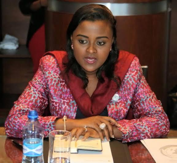 Diplomatie : La sénatrice Muyumba Nkanga recadre Mike Hammer.