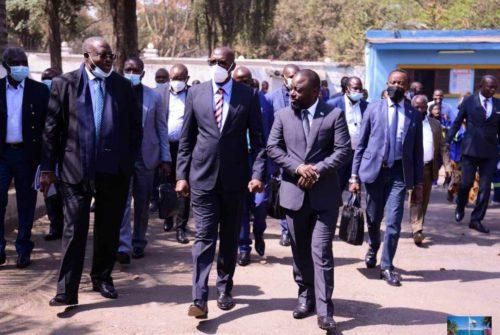 Haut-Katanga/Lubumbashi : Richard Muyej et Zoé Kabila chez Jacques Kyabula Katwe pour une séance de travail.