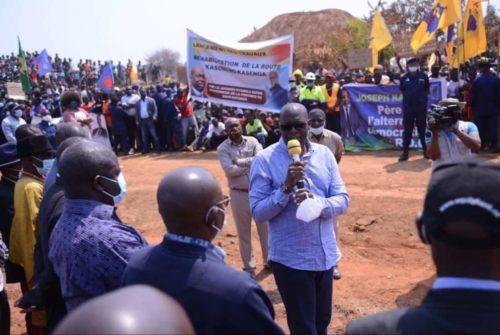 Route Kasomeno-Kasenga : Jacques Kyabula Katwe lance les travaux de réhabilitation.