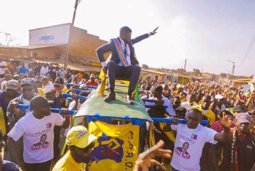 Vacances parlementaires/Sakania : l'honorable Serge Nkonde acceuilli dans son fief électoral comme un prince.