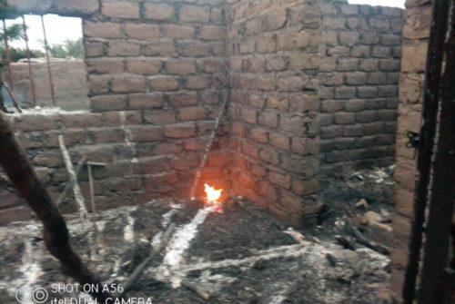 Tanganyika/Kabalo : Une maison complètement dévastée par un incendie dans un quartier populaire.