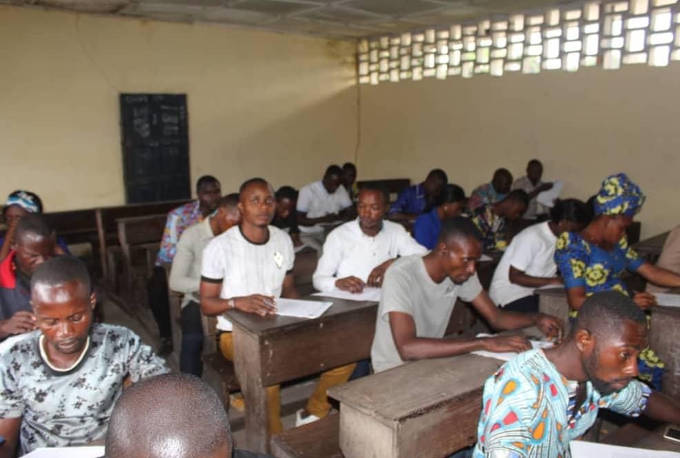 Maï-Ndombe/Groupe de Soutien au Professeur Kolongele : Un test d'embauche soumis à plus de 500 candidats.