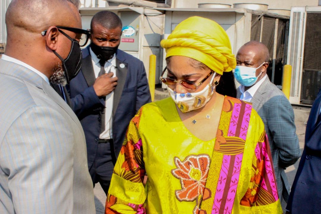 Ministère de l'économie nationale/Kinshasa : Son Excellence Acacia Bandubola déterminée à mettre fin à la magouille des tenanciers des grandes boulangeries.