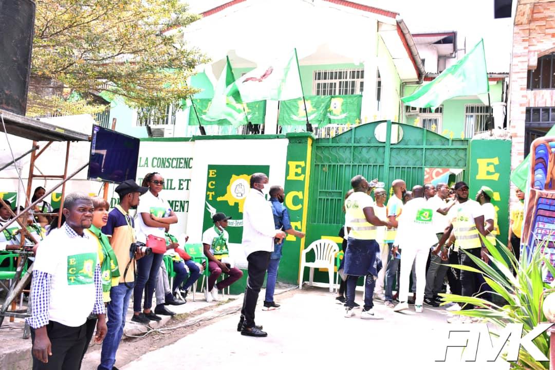 Eveil de la conscience pour le Travail et le Développement (ECT) : Les militants fiers du siège nouvellement inauguré