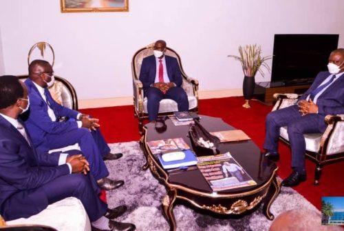 Haut-Katanga/Lutte contre les coupures incessantes du courant électrique et les poches noires : Jacques Kyabula en parle avec le nouveau chef de la SNEL de la province, Fundi Kisebwe