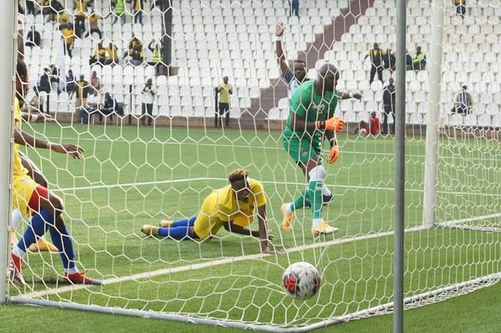 LINAFOOT D1 : LUPOPO ACCROCHE MAZEMBE DANS SON TEMPLE.